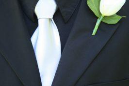 Begravningsblomma-Vit-Ros