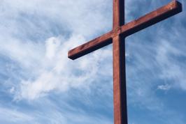 medlemsskap-i-svenska-kyrkan-bild-pa-kors-lavendla-begravningsbyra