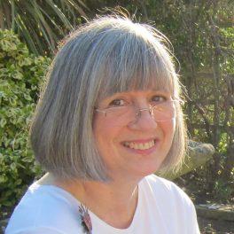 borgerlig officiant begravning, lavendla begravningsbyra, Christine Frostell.jpg