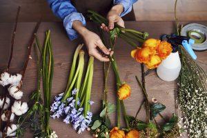 Blommor till begravning hos Lavendla Begravningsbyrå