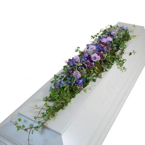 vira kistdekoration begravningsblommor