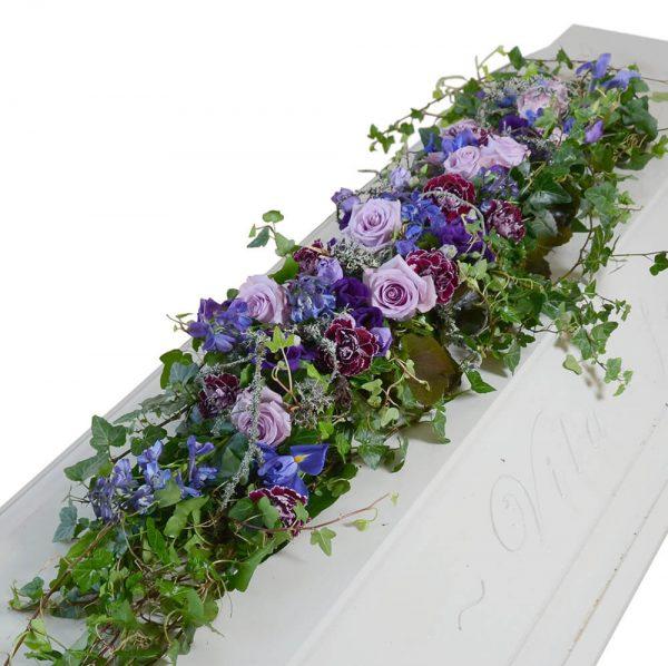vira1 kistdekoration begravningsblommor