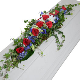 Fally kistdekoration begravningsblommor lavendla