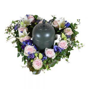 armon urndekoration begravningsblommor lavendla