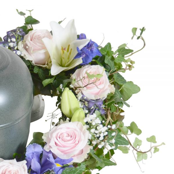 armon1 urndekoration begravningsblommor lavendla