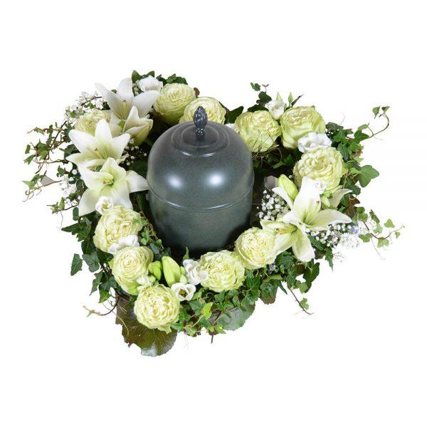Anison begravningsblommor urndekoration lavendla