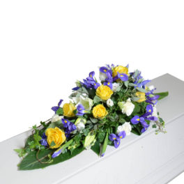 svedolia kistdekoration begravningsblommor lavendla
