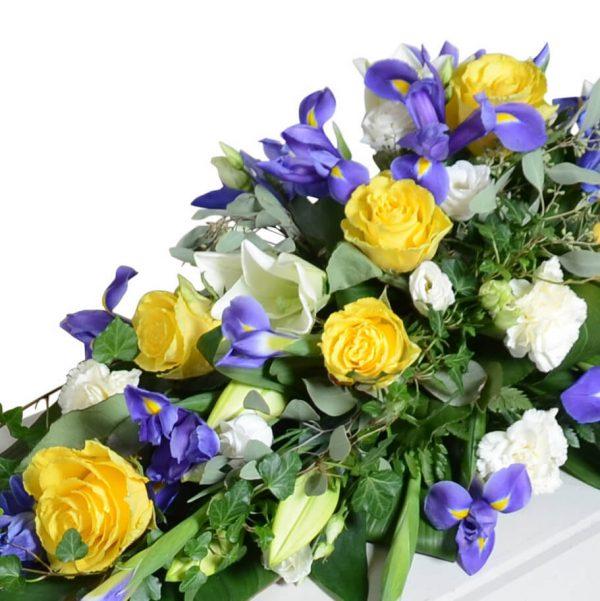 svedolia1 kistdekoration begravningsblommor lavendla