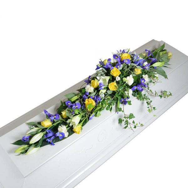 svedala kistdekorationer begravningsblommor lavendla