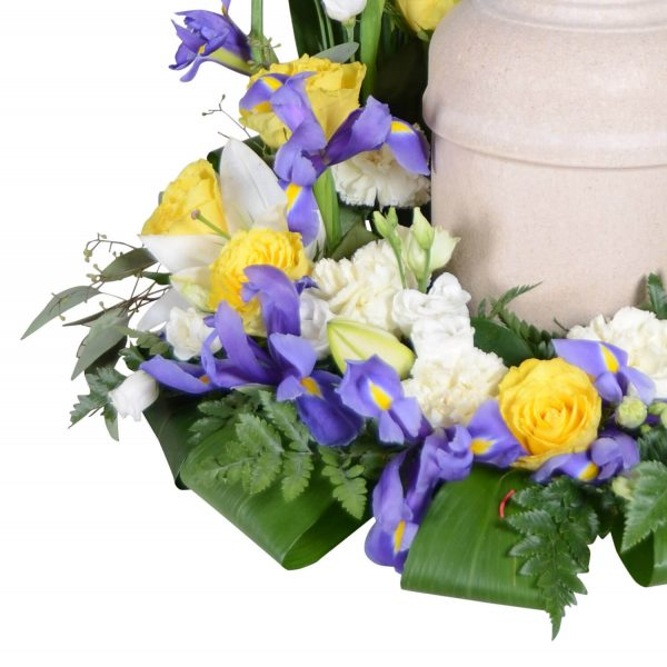Arnos1 urndekoration begravningsblommor lavendla