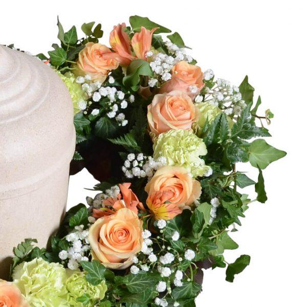 Anguis1 urndekoration begravningsblommor lavendla