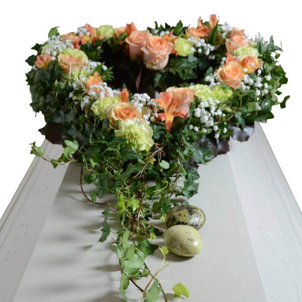 hjarteglans1 kistdekorationer begravningsblommor lavendla