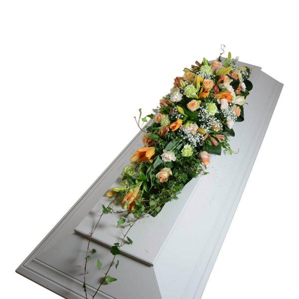 glans2 kistdekoration begravningsblommor lavendla