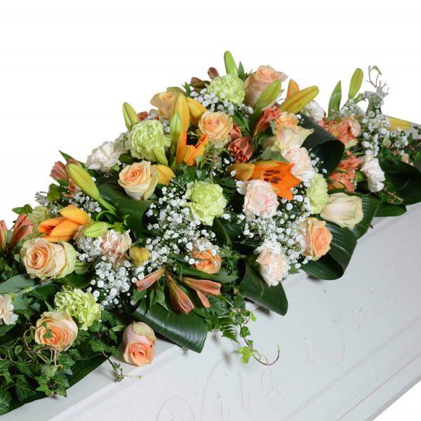 glans3 kistdekoration begravningsblommor lavendla